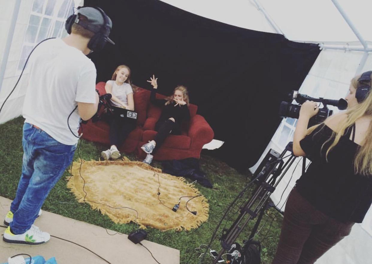 Bilde av ungdommer under FLF Live 2016! Ungdom styrte produksjonen helt selv.